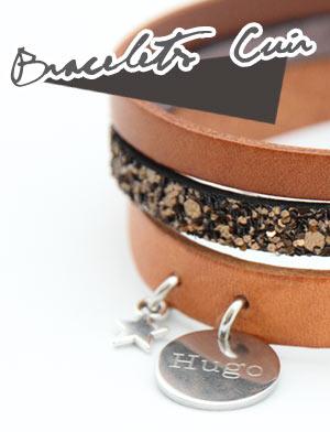 un bracelet en cuir personnalisé avec sa médaille